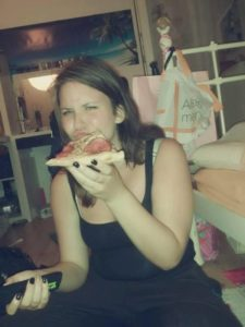 Früher gerne mit Pizza und Fast Food unterwegs, heute macht Alica sich Gedanken, was sie ihrem Körper zuführt.