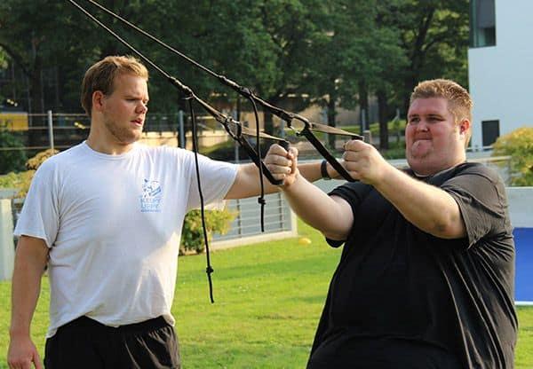 Torsten Prix beim Training mit Sling-Trainer